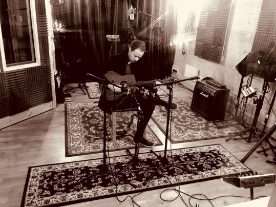 Lewis Harding Live Room
